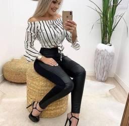 Calça cirrê couro fake e neoprene nervurada cintura alta feminina