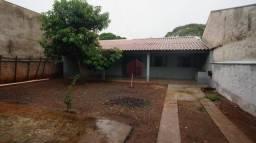 Casa com 2 dormitórios para alugar, 320 m² por R$ 800,00/mês - Vila Nova - Maringá/PR