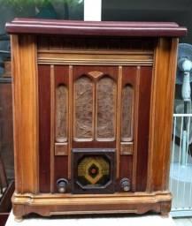 Radio/Toca-Discos antigo