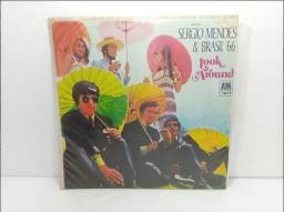 LP Vinil Sergio Mendes & Brasil '66 - Look Around