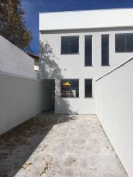 Cód.444: Vende-se casa geminada duplex no bairro Céu Azul em Belo Horizonte.