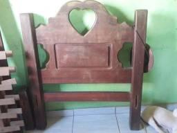 Vendo cama de solteiro madeira