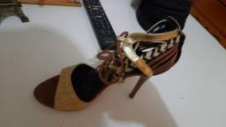 Botas,sapatos,sandálias tudo marca original  e couro