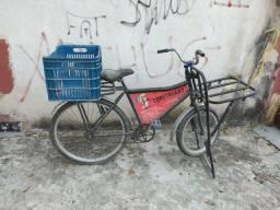 Bicicleta cargueira muito boa só falta tirar a poeira kkk