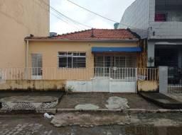 GF casa em afogados ótima localização, com 4 quartos, 1 suíte 1 vaga.