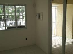 Casa na Av Aguanambi ao lado do Ministério Público, antiga AMC.