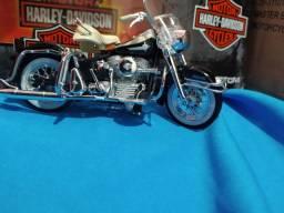 MINIATURA MOTO Harley Deividson escala 1 18