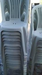 Conjunto de mesa e cadeira (Semi Novo)