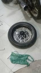 Vendo rodas motard para XT660R completas.