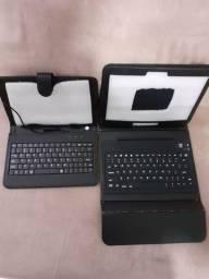 Capa de tablet com teclado