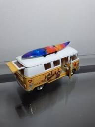 Miniatura Kombi estilizada em metal escala 1/32