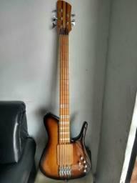 Baixo feito por Luthier