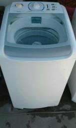 Máquina de lavar roupa Electrolux 8k semi nova