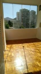 Apartamento quarto e sala Flamengo Largo do Machado