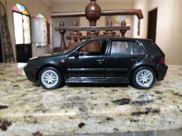 Golf GTI escala 1.24