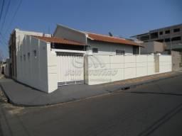 Casa para alugar com 3 dormitórios em Centro, Jaboticabal cod:L4491