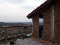 Alugo casa na montanha mágica em São Tomé das Letras