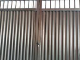Vendo um portão de alumínio