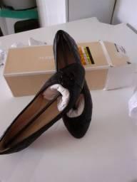 Vende-se uma sapatilha nova