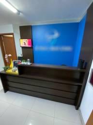 Balcão, mesa e armário para escritório