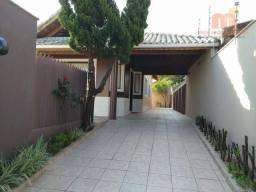 Casa com 3 dormitórios para aluguel temporada, 140 m² por R$ 1.200/dia - Balneario Arpoado