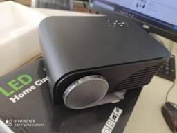 Vendo projetor led - semi novo