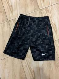 Shorts esportivo masculino