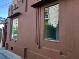 Aluga-se Casa Comercial no Centro