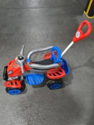 Quadriciclo Infantil a Pedal