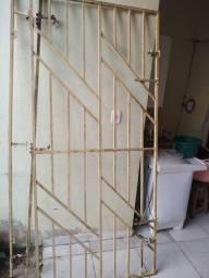 Portão de ferro R$ 300,00