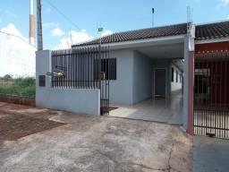 Casa no Jardim Colina Verde em Maringá com 3 dormitórios, BWC social, sala, cozinha planej