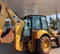 RETROESCAVADEIRA CAT 420 E 4x2