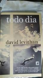 Livro Todo Dia - David Levithan