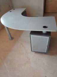 """VENDO Mesa em """"L"""" 1,4x1,4m ideal para escritório/estúdio."""