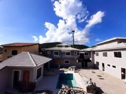 Casa em condomínio, com 3 suítes, piscina, sauna e churrasqueira à venda, 90 m² por R$ 560