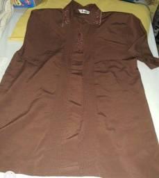 Vendo todas essas blusas preço bom todas em boas condições