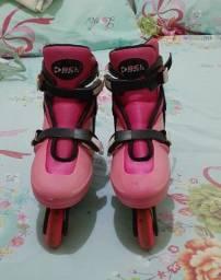 lote de calçados feminino e patins