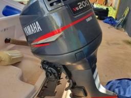 LANCHA EAGLE 220 COM YAMAHA 200 HP
