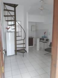 Aluga-se ótimo apartamento c/ garagem (iptu e condomínio inclusos) - R$ 1.400,00