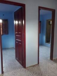 Casa (2 quartos, 2 banheiros, sala e cozinha)