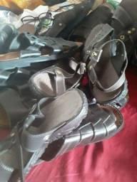 9 pares de sandálias novas, para sua loja
