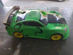 Automodelo GT 1:8