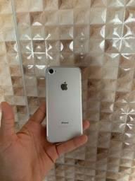 iPhone 7 32GB - seminovo - impecável