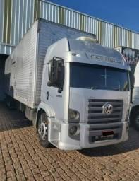 Caminhão VolksWagen + Baú de 90mts