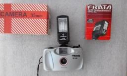 Maquina fotográfica com flash