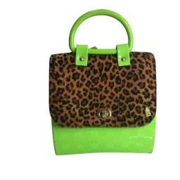 Bolsa oncinha verde neon estilosa