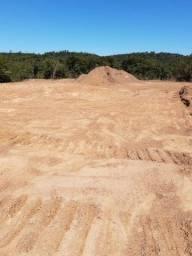 Vende-se um terreno na região do Santa Tereza