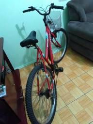 Vendo linda bicicleta feminina em ótimo estado geral 18 marchas