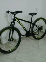 Bike aro 29 top nova pouco uso valor 800 avista respondo chaht tbm sou de cambui mg