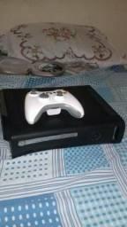 Vendo ou troco Xbox por moto ou algo do meu interesse, volto dinheiro e aceito oferta